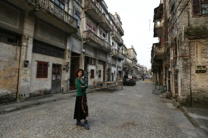 到古镇的田园和欧式风格街道走走看看
