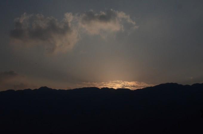 晚上农村风景图片