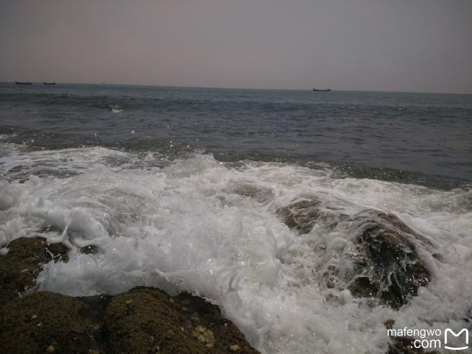 奏响大海的声音,那是小时候在吹响海螺时听到的海的声音;飘雾下的吊桥