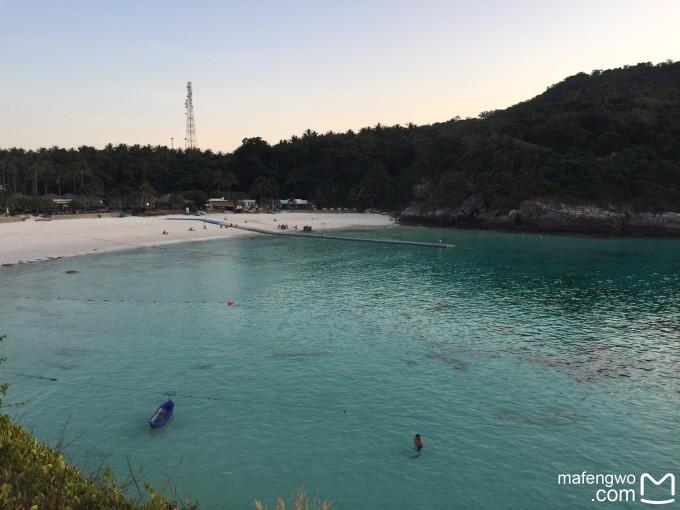我们自己带的浮潜器具,所以在皇帝岛的两天,自己可以在海边浮潜,鱼也