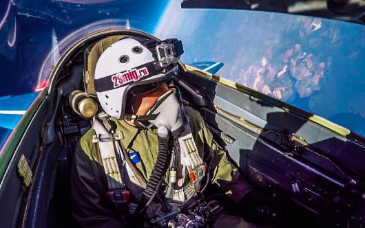 冲上外太空 俄罗斯现役战机米格29乘坐体验