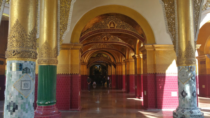 泰國黃金色裝飾壁紙